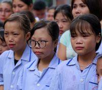 Bác sĩ Nguyễn Anh Trí về hưu, cả bệnh viện nghẹn ngào quyến luyến