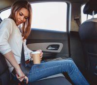 Từ 2018, người ngồi ghế sau ô tô không thắt dây an toàn sẽ bị phạt tiền