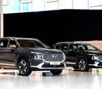 Hyundai Santa Fe 2021 chính thức ra mắt: Giá bán tăng nhẹ, nhiều phiên bản, bán ra trong tháng 7