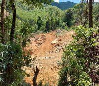 Phát lộ vụ khai thác trái phép quặng đá thạch anh ở Nghệ An