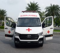 Liên doanh Ô tô Hyundai Thành Công trao tặng 10 chiếc xe Hyundai Solati cứu thương